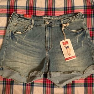 Levi Strauss signature high rise shorts 8 NWT